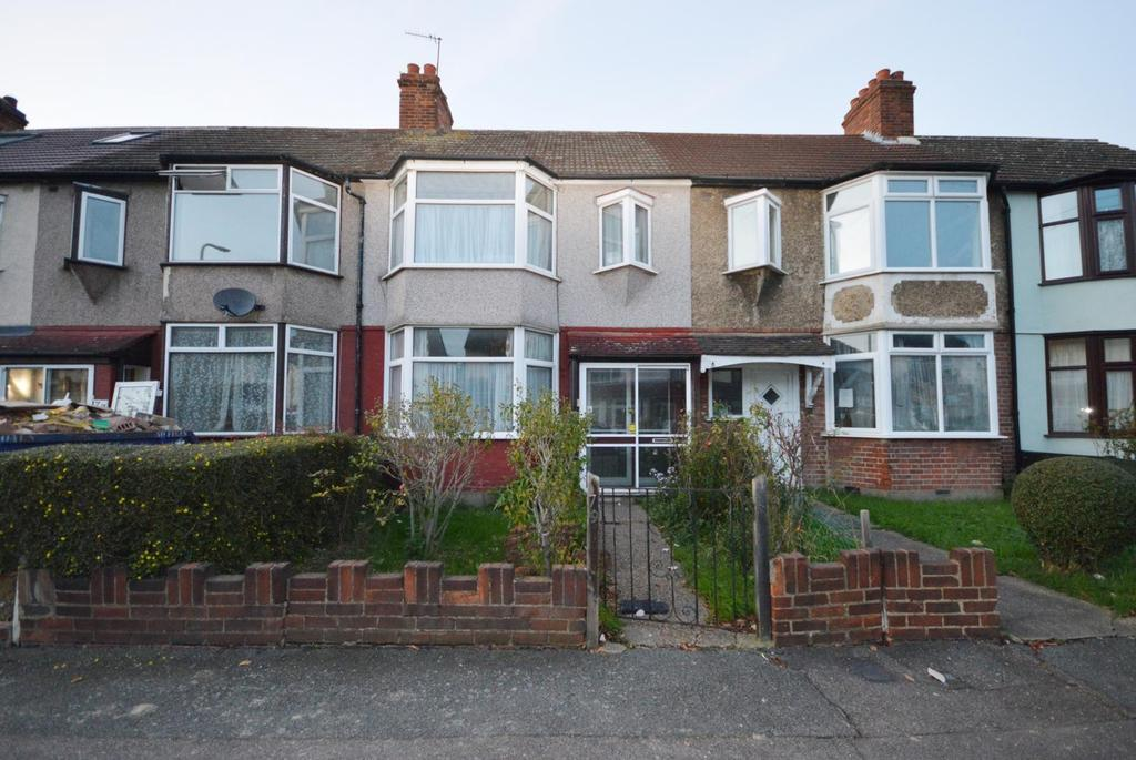 3 Bedrooms Terraced House for sale in Harwood Avenue, Hornchurch, Essex, RM11