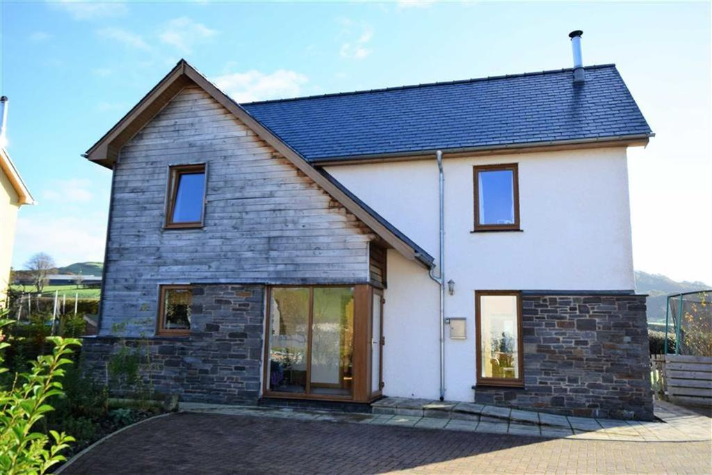 4 Bedrooms Detached House for sale in 16, Pencaemawr, Penegoes, Machynlleth, Powys, SY20