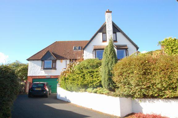 4 Bedrooms Detached House for sale in North Hill, Minehead