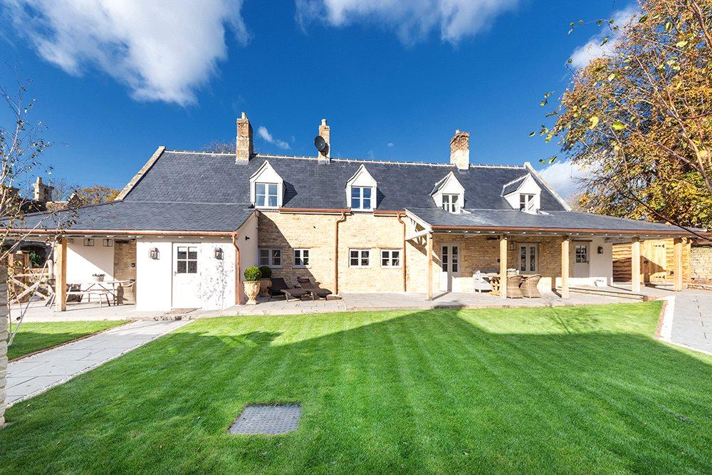 3 Bedrooms Detached House for sale in Main Street, Tinwell, Stamford, Lincolnshire