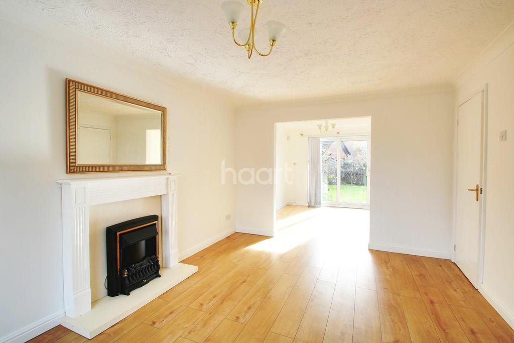 3 Bedrooms Detached House for sale in Lucilla Avenue, Ashford, TN23 3PU