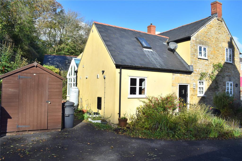 2 Bedrooms Detached House for sale in Tunnel Road, Beaminster, Dorset