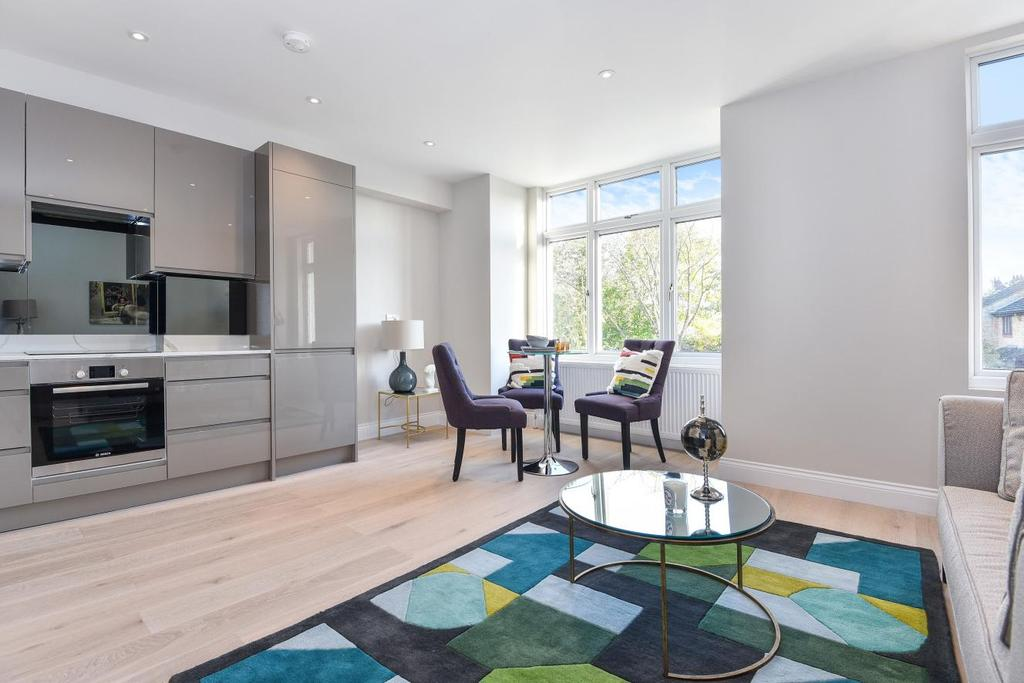2 Bedrooms Flat for sale in Church Lane, Tooting