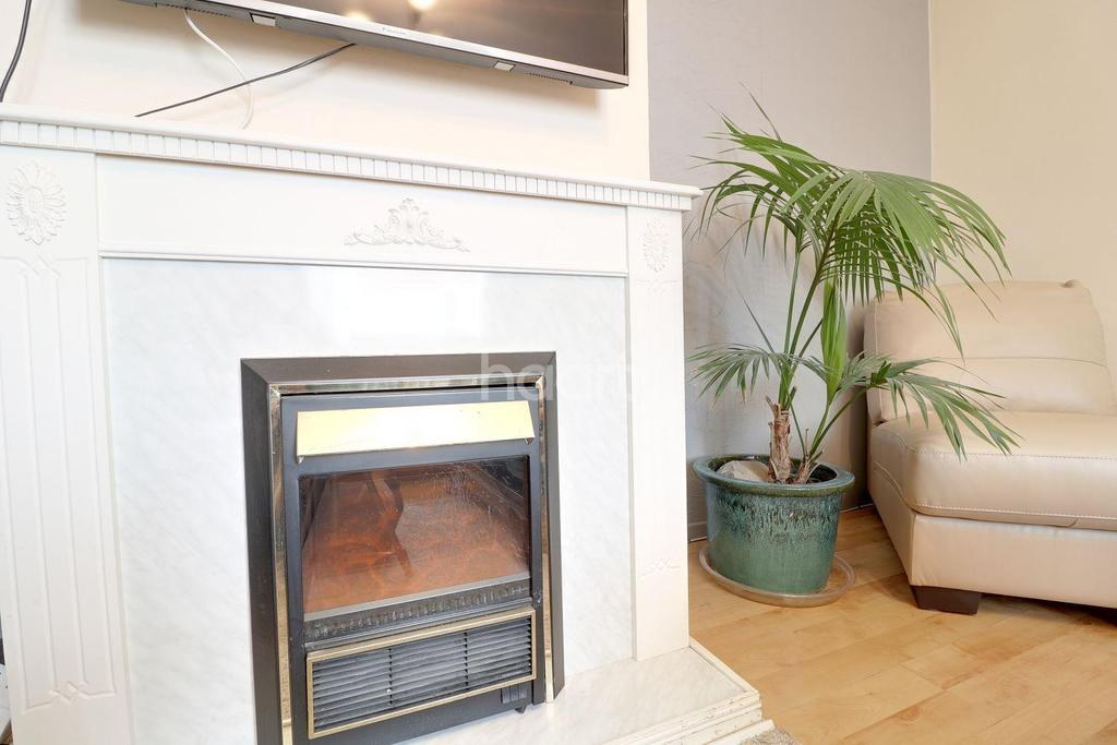 4 Bedrooms Terraced House for sale in Aylminton Walk, BS11