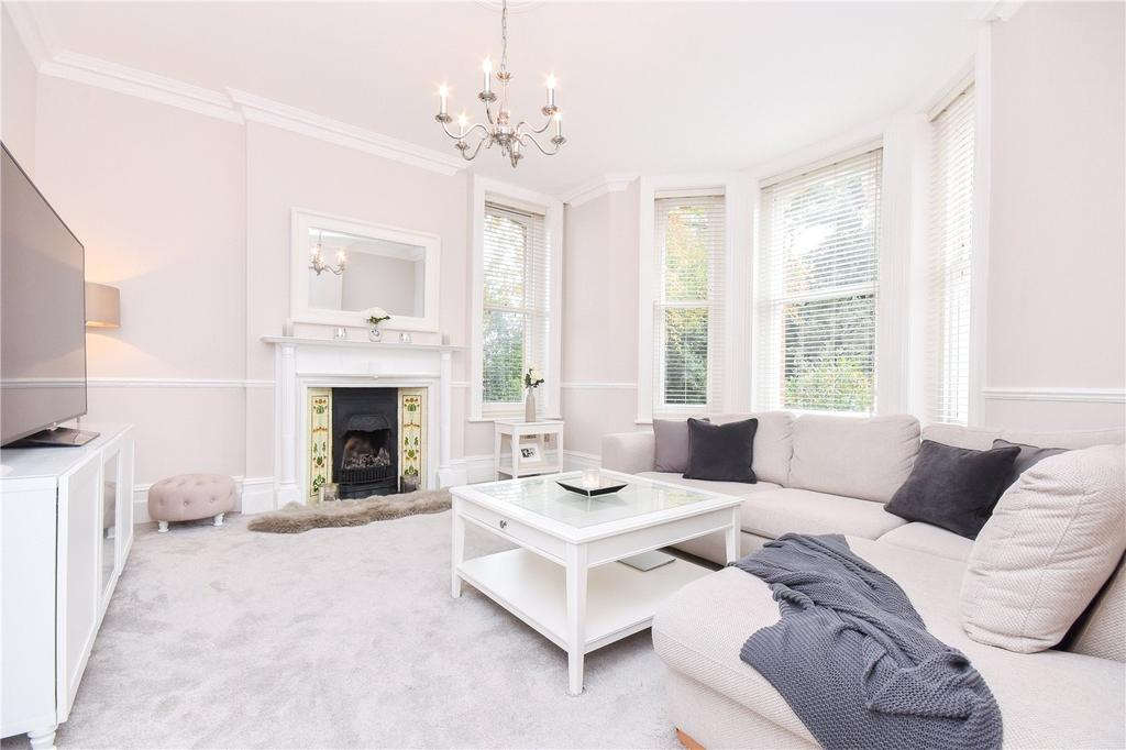 2 Bedrooms Flat for sale in Durley Chine Road, Bournemouth, Dorset, BH2