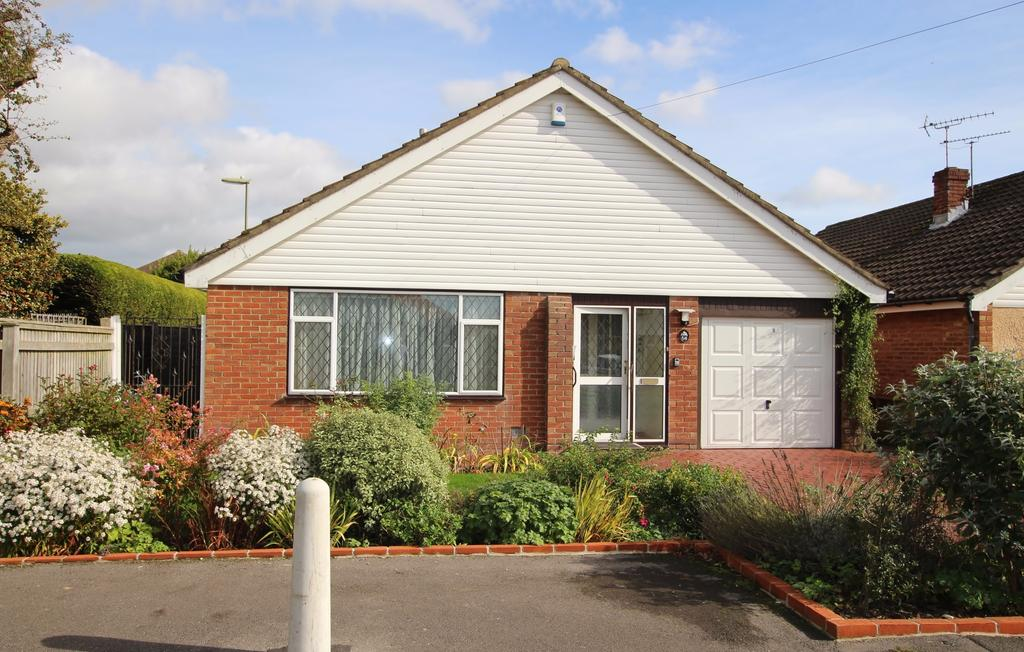 3 Bedrooms Detached Bungalow for sale in HARVEST ROAD, DENMEAD