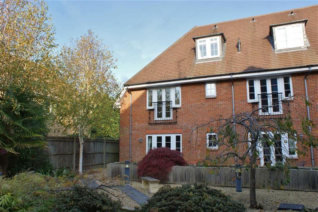 2 Bedrooms Apartment Flat for sale in Cobham Grange, Cobham, Surrey, KT11