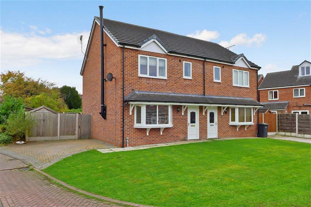 3 Bedrooms Semi Detached House for sale in Limes Close, Haslington, Crewe