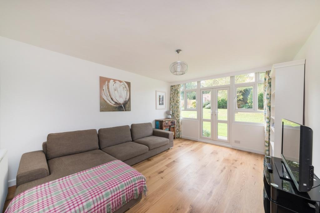 3 Bedrooms Flat for sale in Garden Royal, Kersfield Road, Putney, SW15