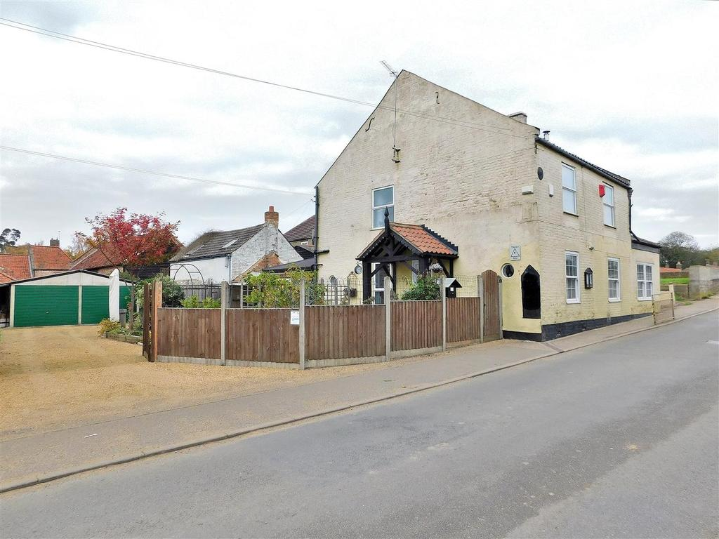 4 Bedrooms Detached House for sale in Lynn Road, Wiggenhall St. Germans, King's Lynn