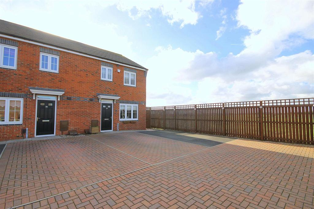 3 Bedrooms Semi Detached House for sale in Westfields, Hartlepool