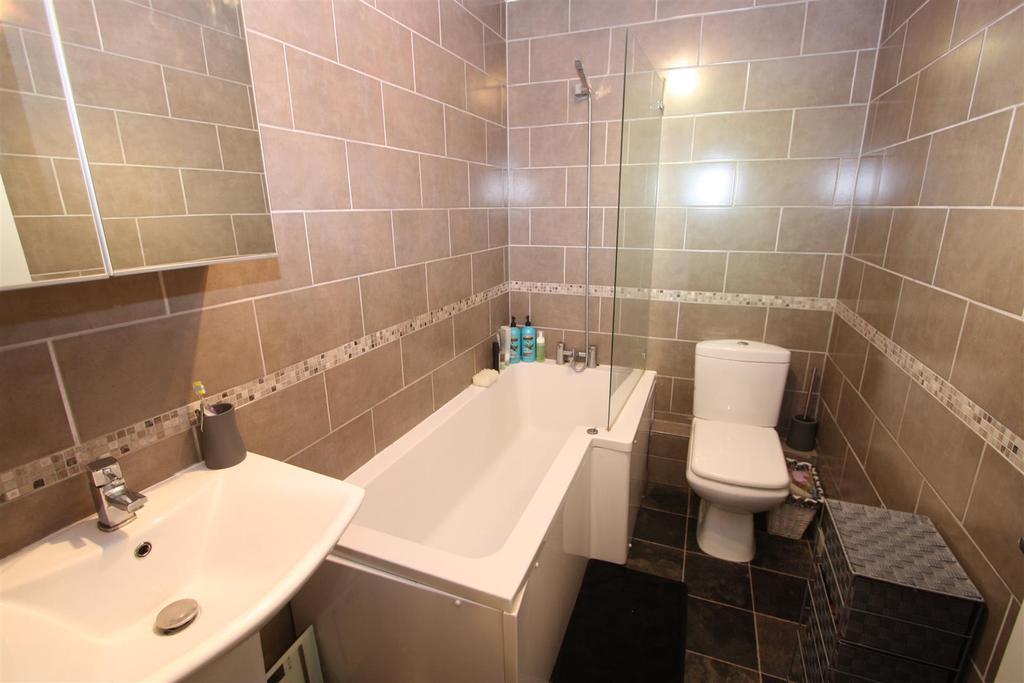 2 Bedrooms Terraced House for sale in Longfield Road, Darlington