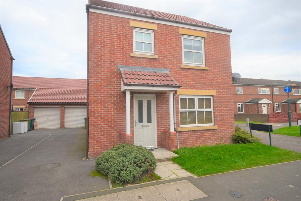 3 Bedrooms Detached House for sale in Low Farm Drive, Redcar TS10
