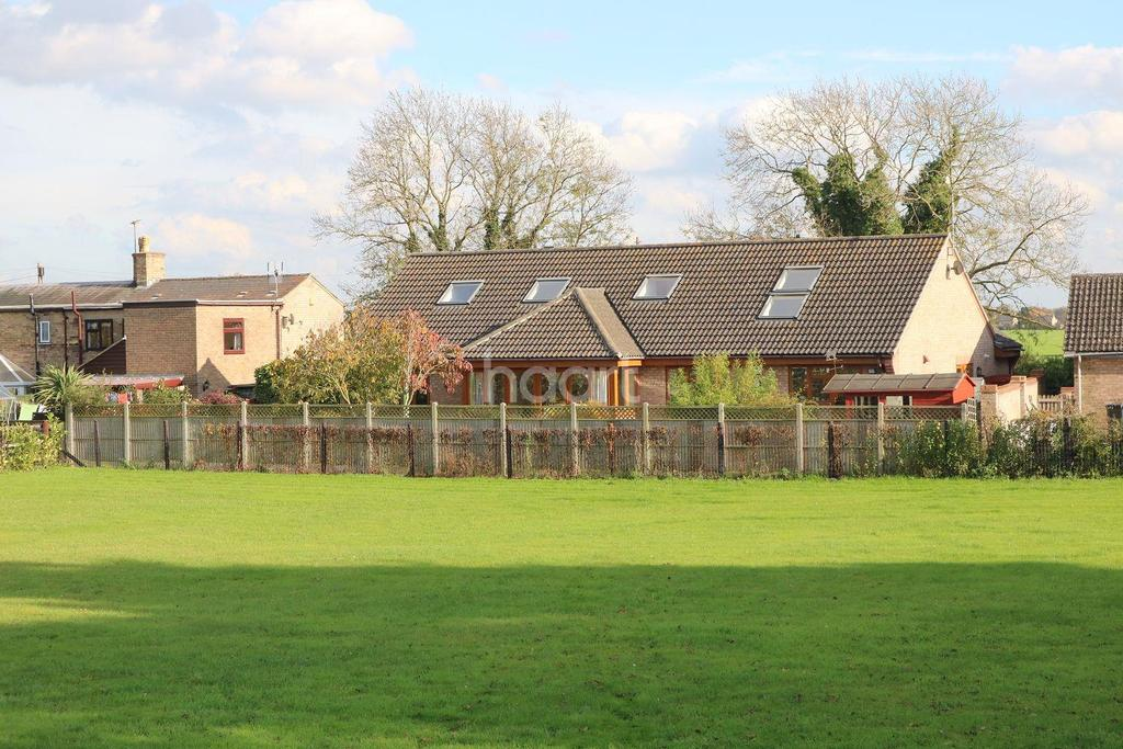 5 Bedrooms Detached House for sale in High Street, Landbeach, Cambridgeshire