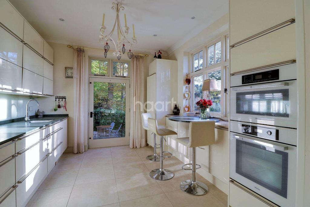 4 Bedrooms Cottage House for sale in Hill Road, Grayshott