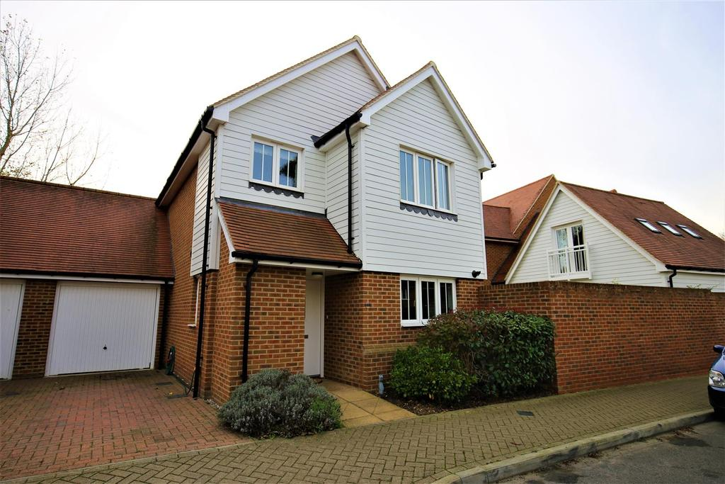 3 Bedrooms Detached House for sale in Leonard Gould Way, Loose, Maidstone