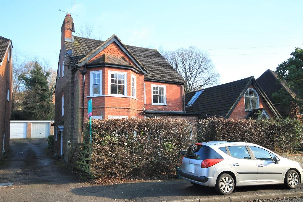 4 Bedrooms Duplex Flat for sale in Lion Lane, Haslemere