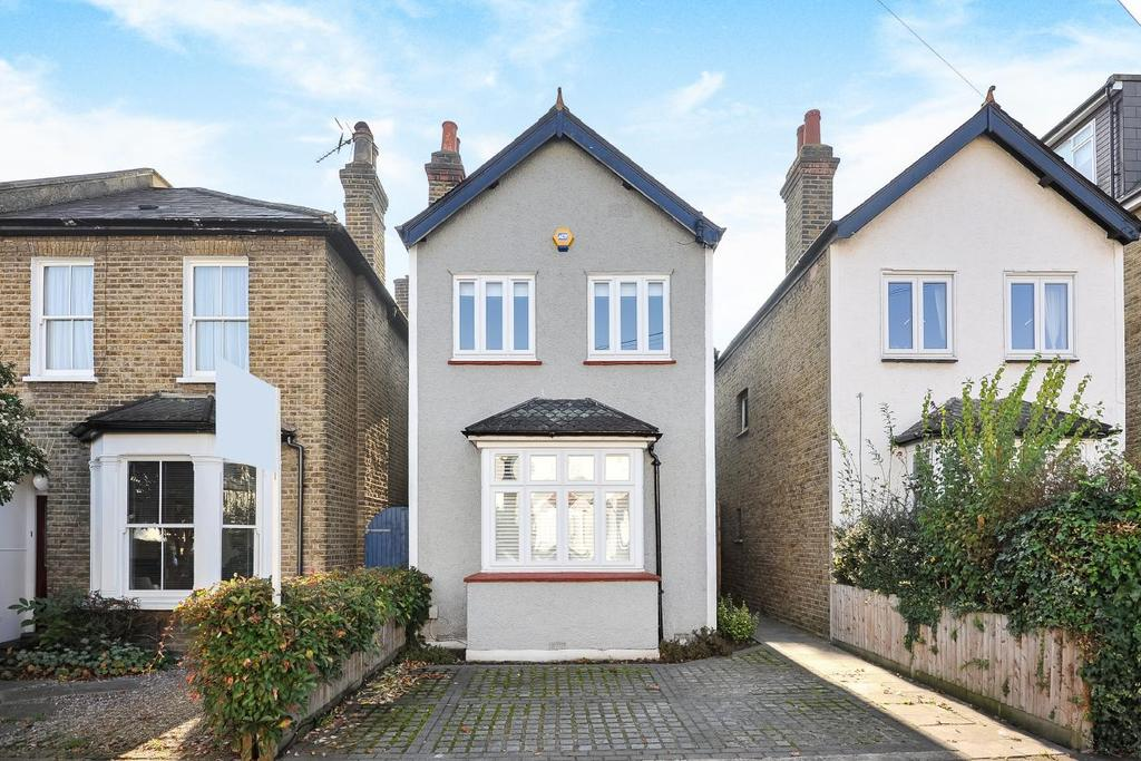 3 Bedrooms Detached House for sale in Richmond Park Road, Kingston upon Thames