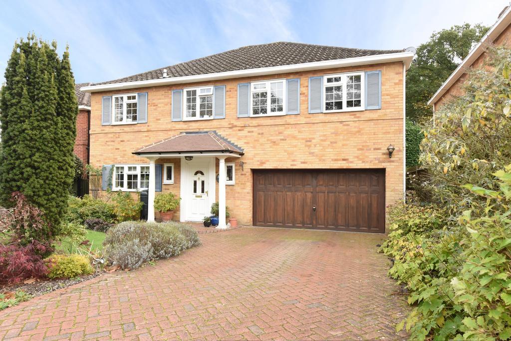 4 Bedrooms Detached House for sale in Firlands, Weybridge, Surrey, KT13