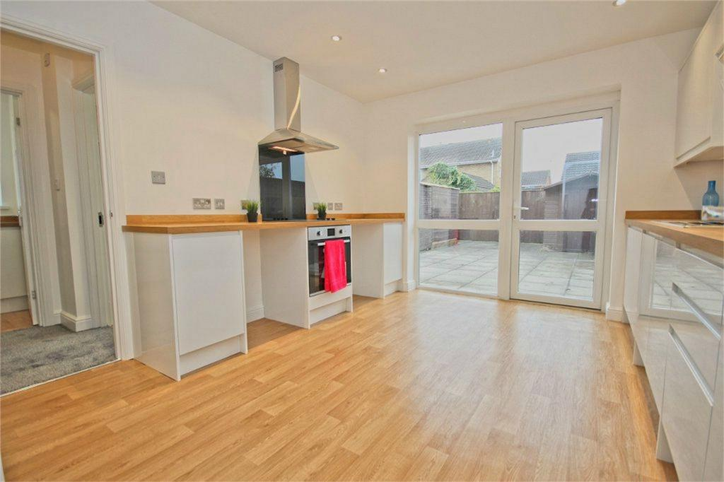 3 Bedrooms Semi Detached House for sale in Stanbury Road, Hull, East Riding of Yorkshire