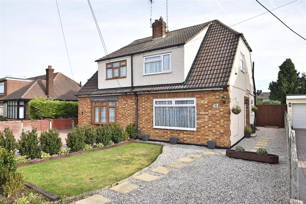 3 Bedrooms Chalet House for sale in Benfleet
