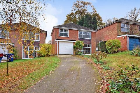 4 bedroom detached house to rent - FARNHAM, Surrey