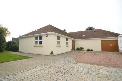 3 bedroom detached bungalow for sale - 17 Rhododendron Avenue, STICKLEPATH, Barnstaple, Devon