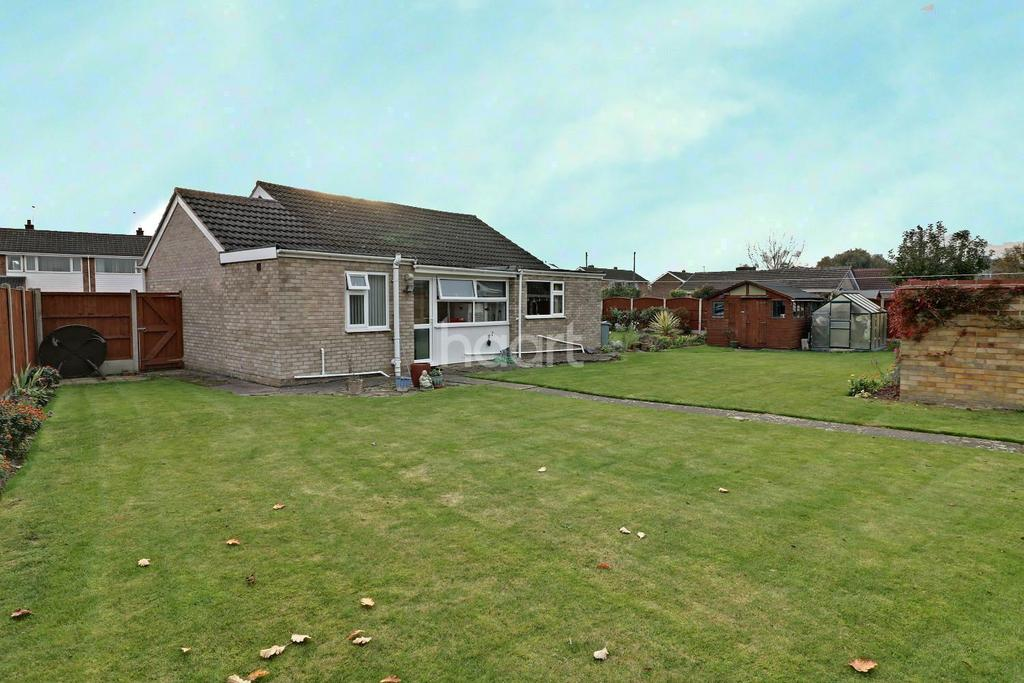 3 Bedrooms Bungalow for sale in Sandcliffe Road, Grantham