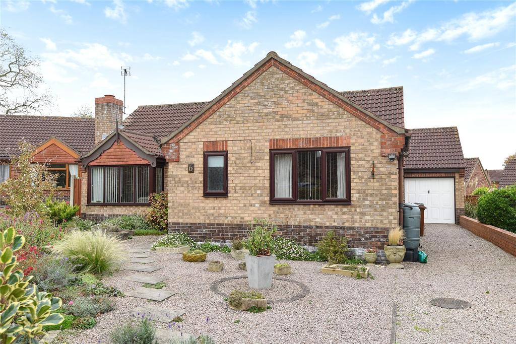3 Bedrooms Detached Bungalow for sale in Seely Close, Heighington, LN4
