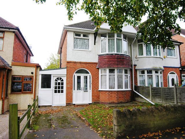 3 Bedrooms Semi Detached House for sale in Warren Hill Road,Kingstanding,Birmingham