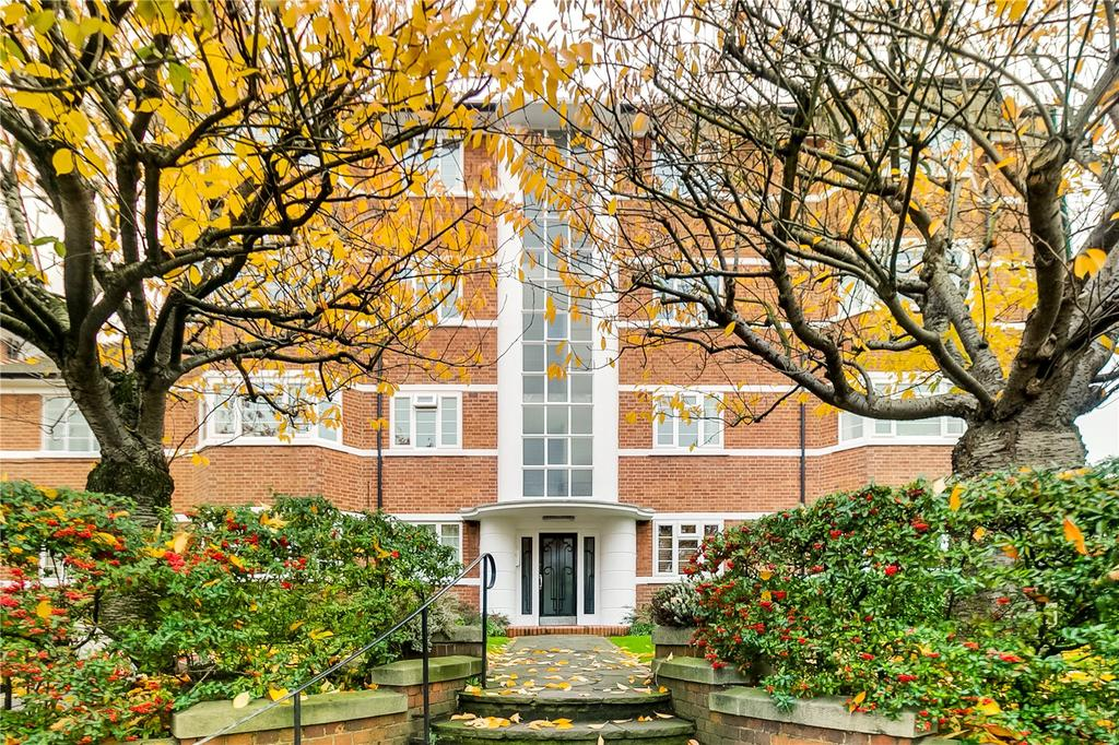 2 Bedrooms Flat for sale in Deanhill Court, Upper Richmond Road West, London
