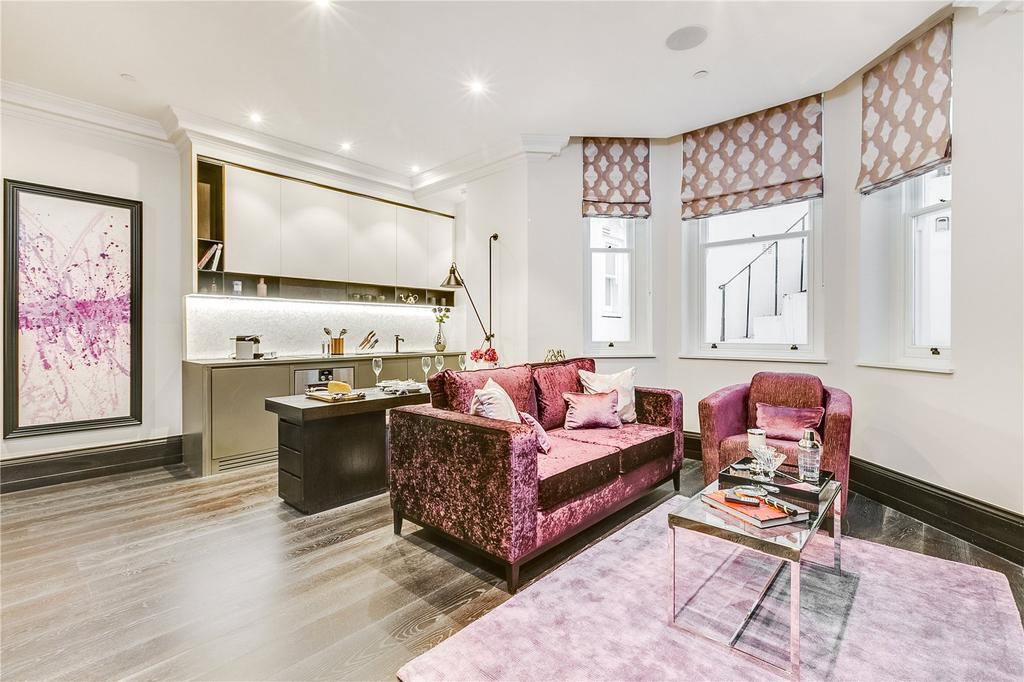 1 Bedroom Flat for sale in Beaufort Gardens, Knightsbridge, London