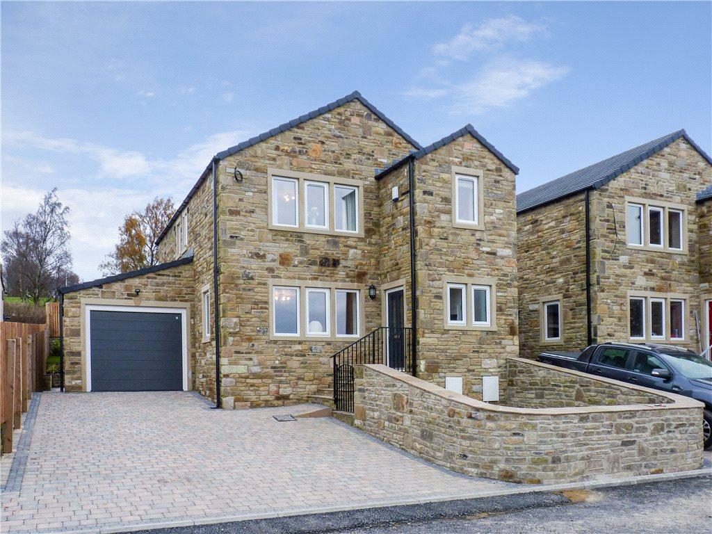 4 Bedrooms Link Detached House for sale in Moorfield Drive, Oakworth, Keighley, West Yorkshire