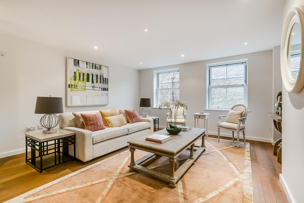 5 Bedrooms Terraced House for sale in Rosenau Road, SW11