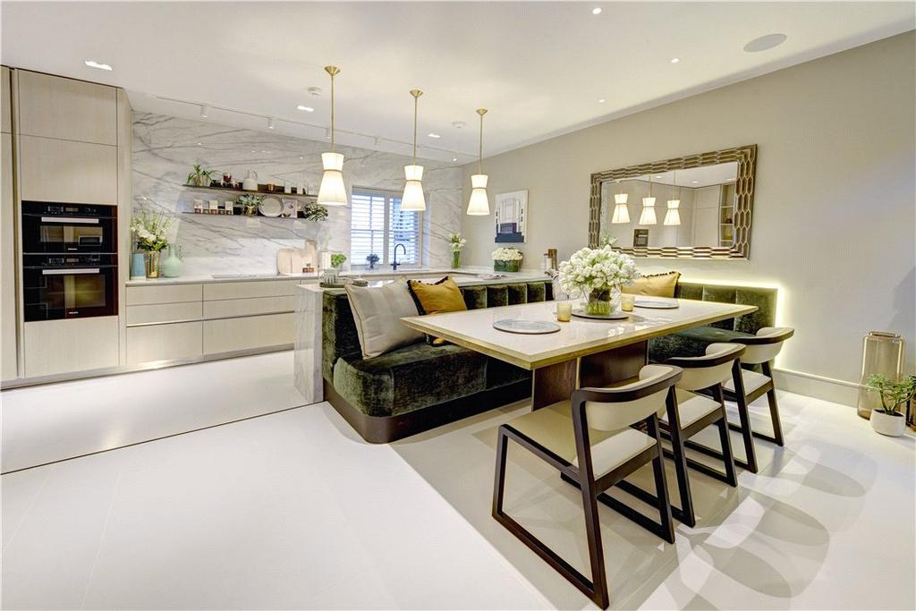 4 Bedrooms Mews House for sale in Boscobel Place, Belgravia, London, SW1W