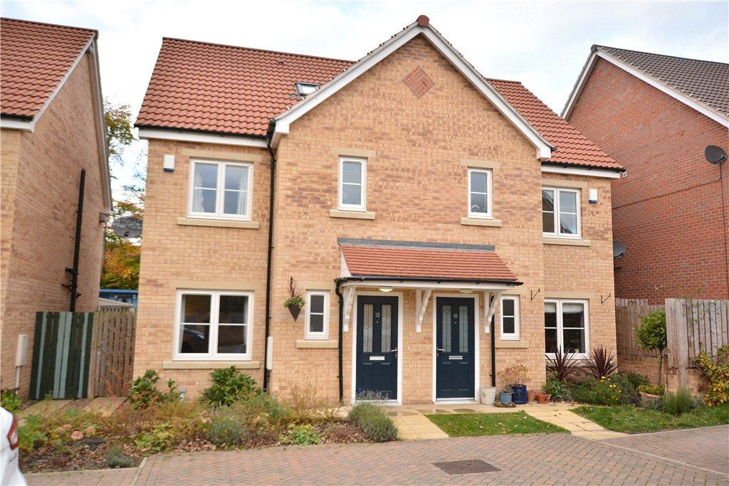 4 Bedrooms Semi Detached House for sale in The Laurels, Moortown, Leeds, West Yorkshire