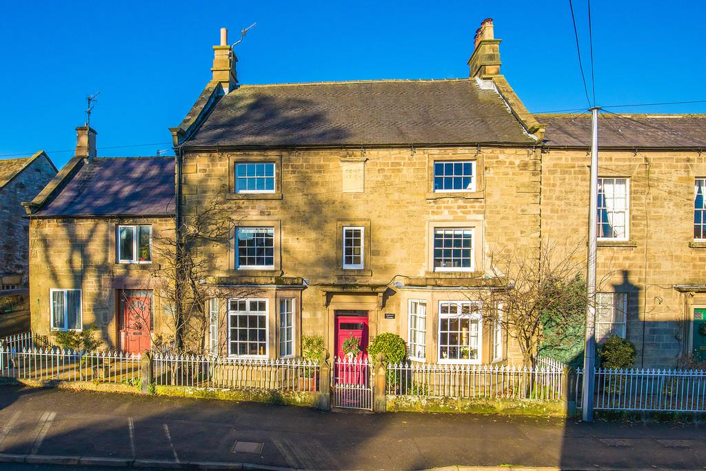 6 Bedrooms Terraced House for sale in Church Street, Youlgrave, Bakewell