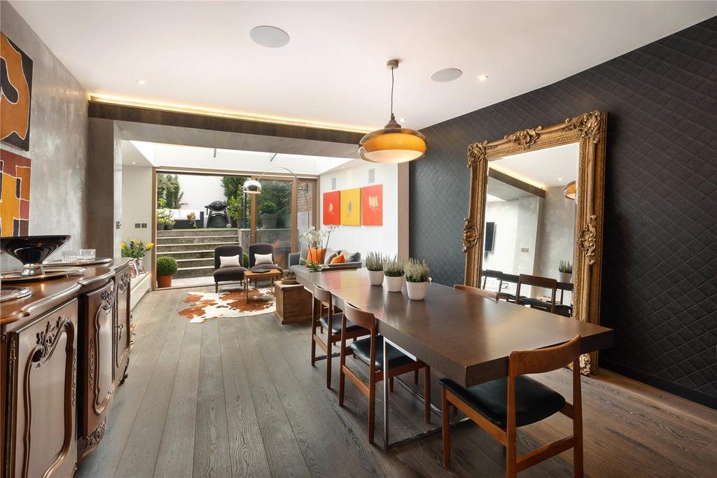5 Bedrooms Terraced House for sale in Paultons Street, London