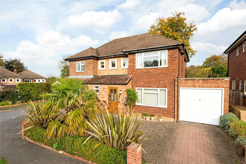 4 Bedrooms Detached House for sale in Hawkwood Rise, Bookham, Leatherhead, Surrey, KT23