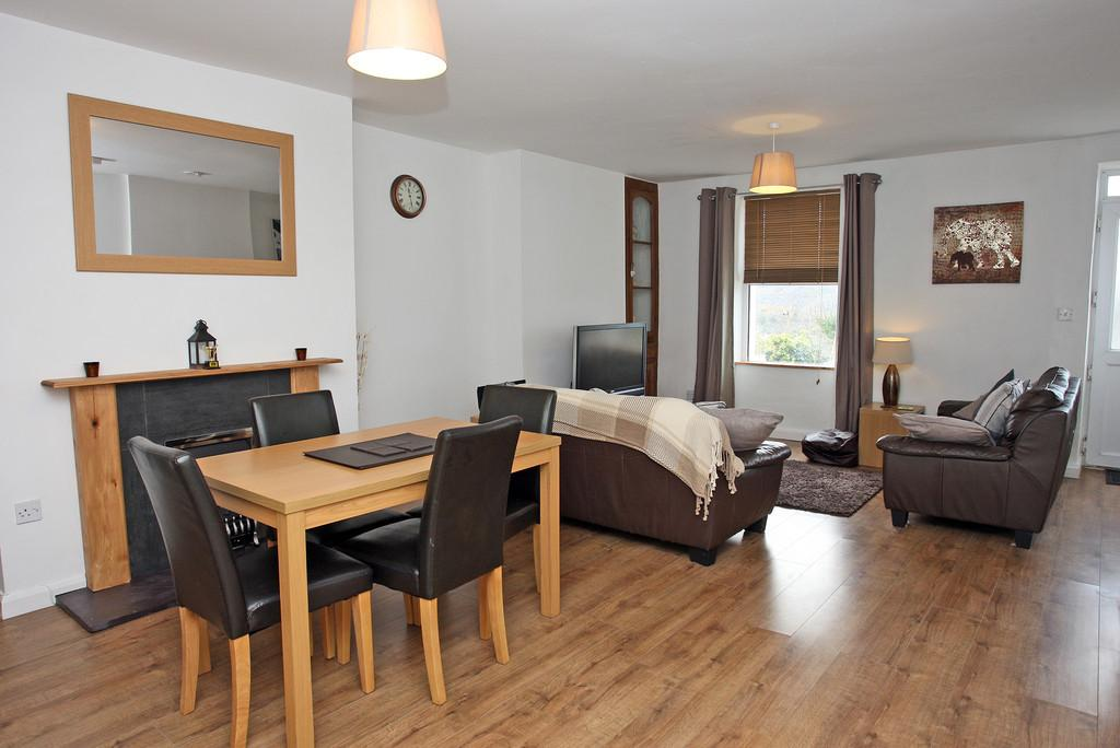 3 Bedrooms Terraced House for sale in Tan Treflys, Bethesda, North Wales