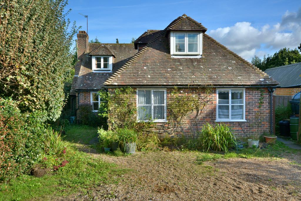 3 Bedrooms Chalet House for sale in Coldwaltham