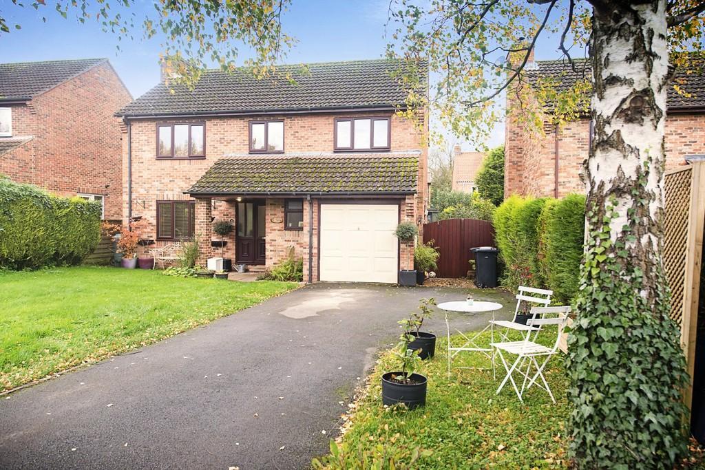 4 Bedrooms Detached House for sale in Birkhills, Burton Leonard
