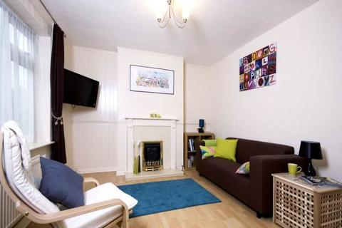 2 bedroom house share to rent - Audley Drive, Lenton Abbey, Nottingham