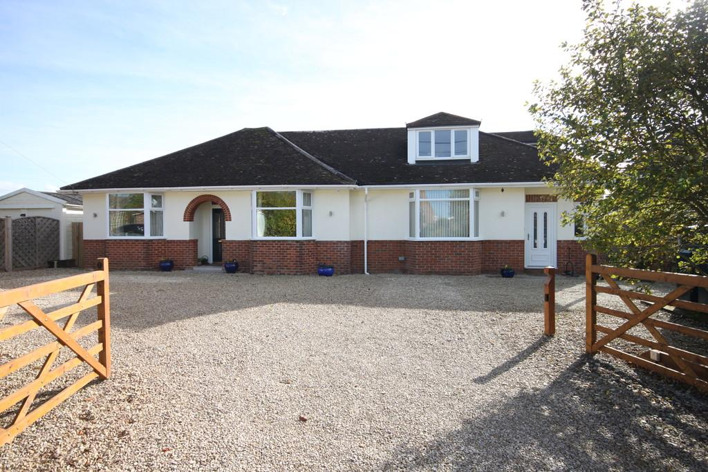 5 Bedrooms Detached House for sale in NETT ROAD, SHREWTON, SALISBURY, WILTSHIRE, SP3 4HB