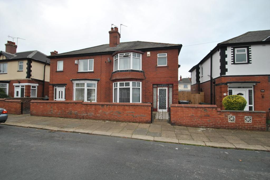 3 Bedrooms Semi Detached House for sale in St Margarets Road, Belle Vue, Doncaster