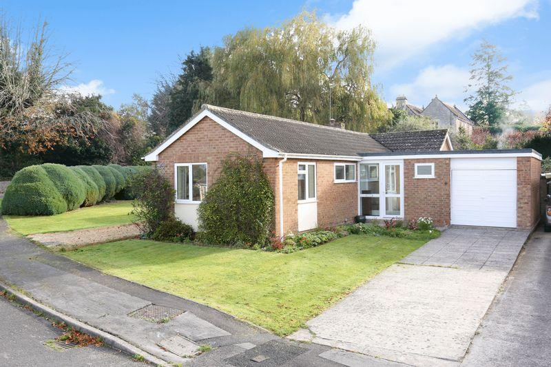 3 Bedrooms Detached Bungalow for sale in Ragleth Grove, Trowbridge