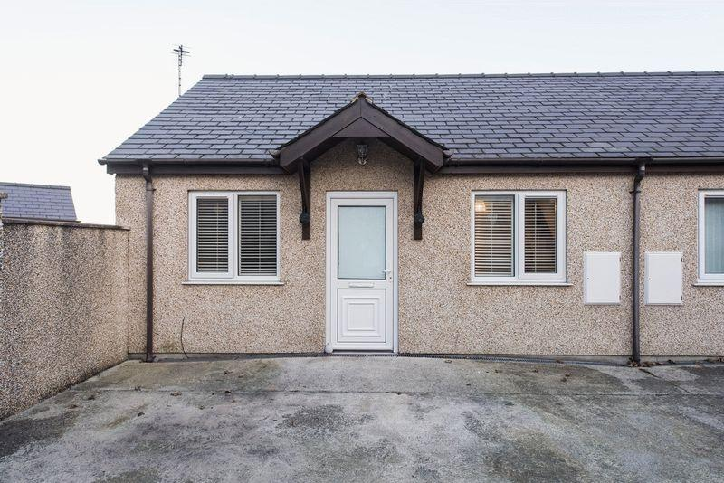 1 Bedroom Semi Detached Bungalow for sale in Stanley Bungalows, St Cybi Street, Holyhead