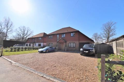 4 bedroom detached house for sale - Hickstead Lane, Hickstead, West Sussex