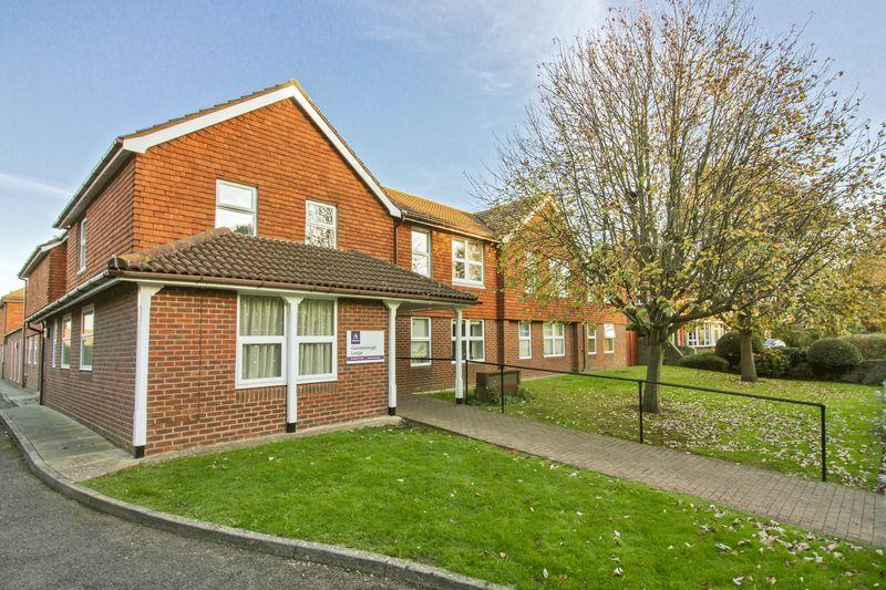 1 Bedroom Flat for sale in South Farm Road, Worthing