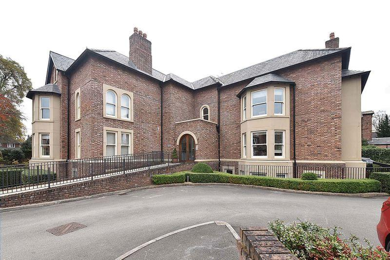 2 Bedrooms Apartment Flat for sale in Toft Road, Knutsford